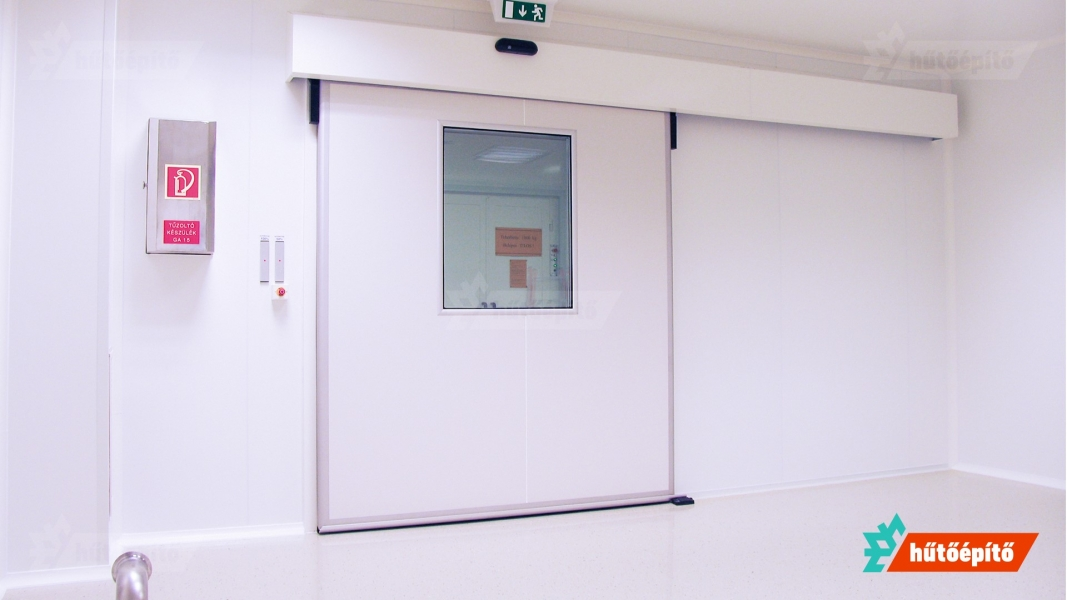 Hűtőépítő Pharmaclean tisztatéri tolóajtó ISO14644