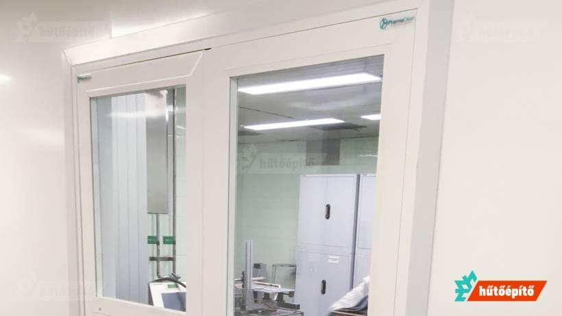 Hűtőépítő KleanLabs tisztatéri ajtók tisztatéri kétszárnyú nyílóajtó