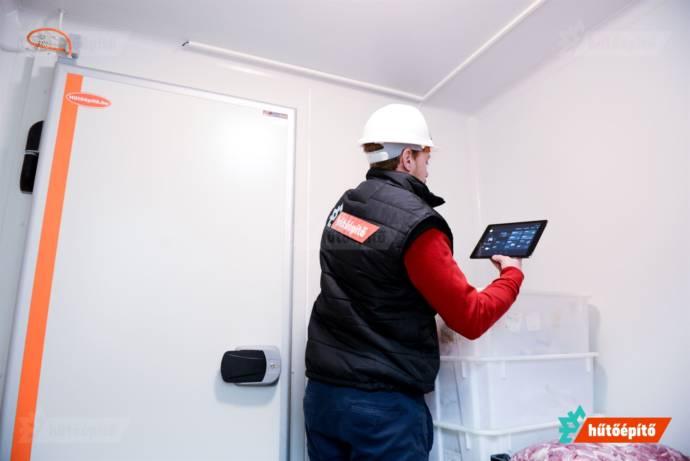 Az önszabályozó fűtőkábellel szerelt ajtóink megelőzik a kifagyást és kondenzációt