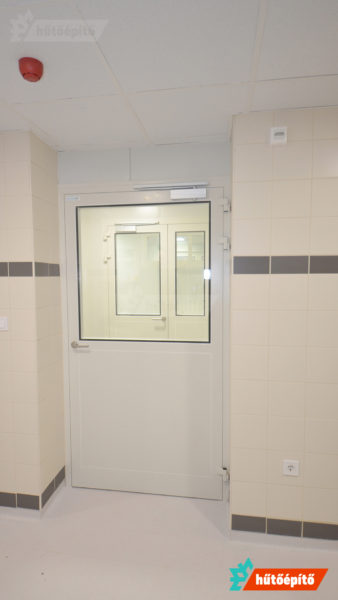 Beépített tisztatéri ajtó